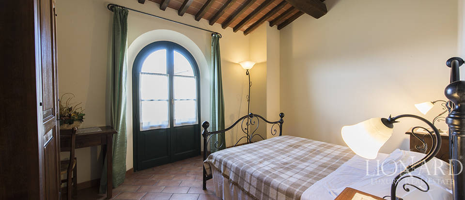 Farmhouse for sale in Tuscany Image 53