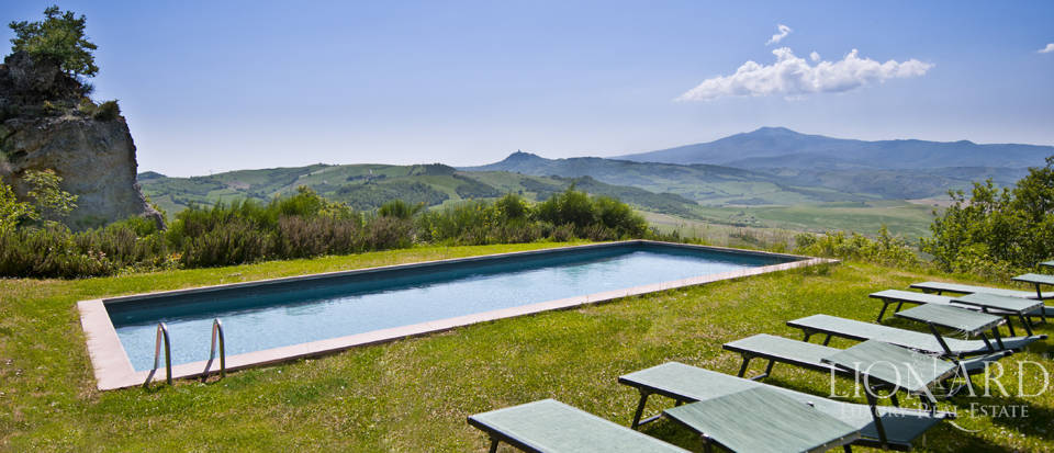 Farmhouses with swimming pool in Siena Image 99