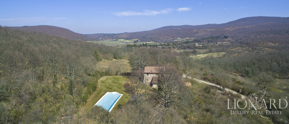 Farmhouses with swimming pool in Siena Image 23