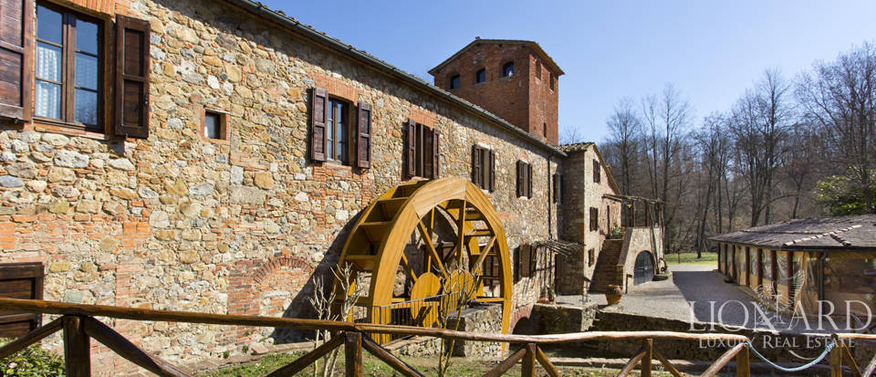 Luxury agritourism for sale in Siena