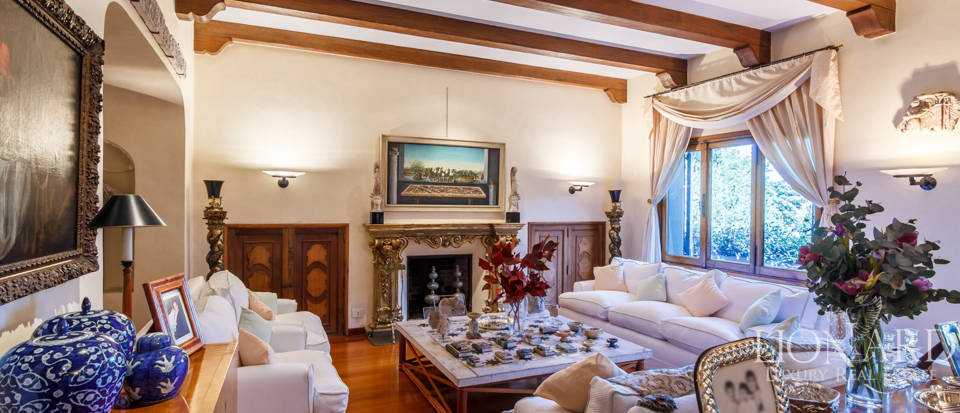 Luxury villa for sale in Rome Image 60