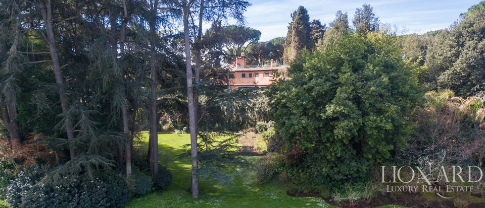 Luxury villa for sale in Rome Image 6