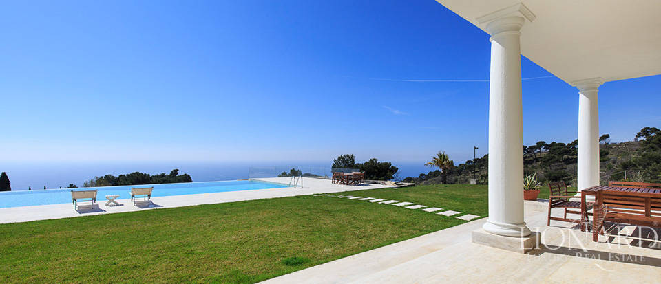 Villa with swimming pool for sale in Imperia Image 23