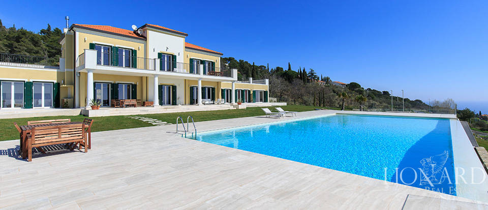Villa with swimming pool for sale in Imperia Image 8