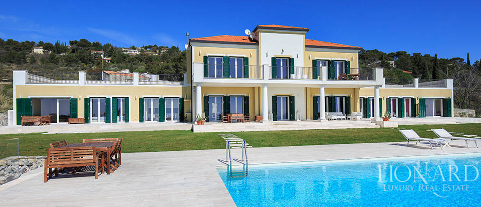 Villa with swimming pool for sale in Imperia Image 10