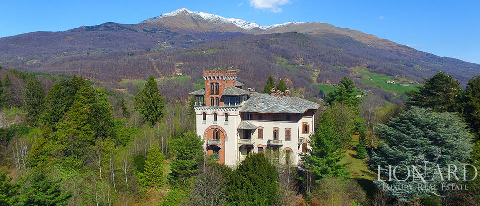 Magnificent castle for sale in Piedmont Image 1