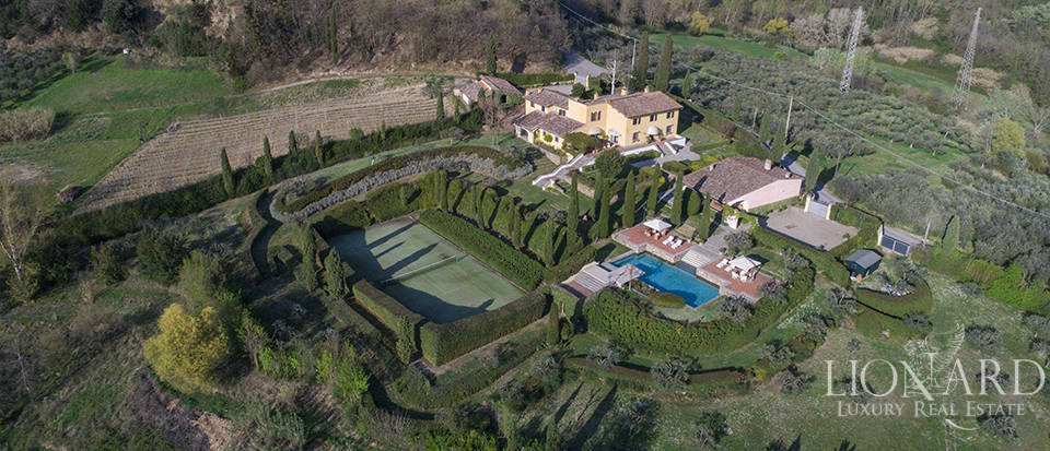 Dream estate in the Tuscan countryside Image 39