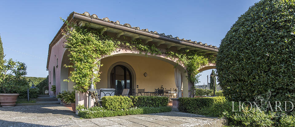 Dream estate in the Tuscan countryside Image 37