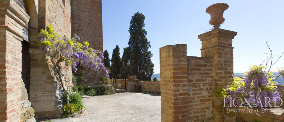 Historical estate for sale in the Tuscan countryside Image 25
