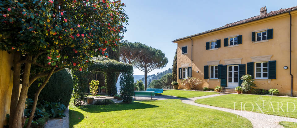 Stunning dream villa for sale in Camaiore Image 1