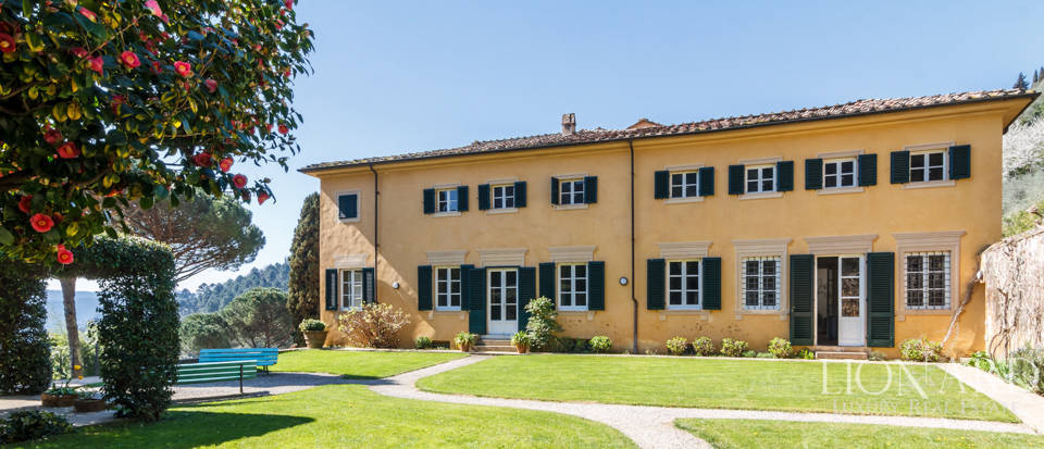 Stunning dream villa for sale in Camaiore Image 2