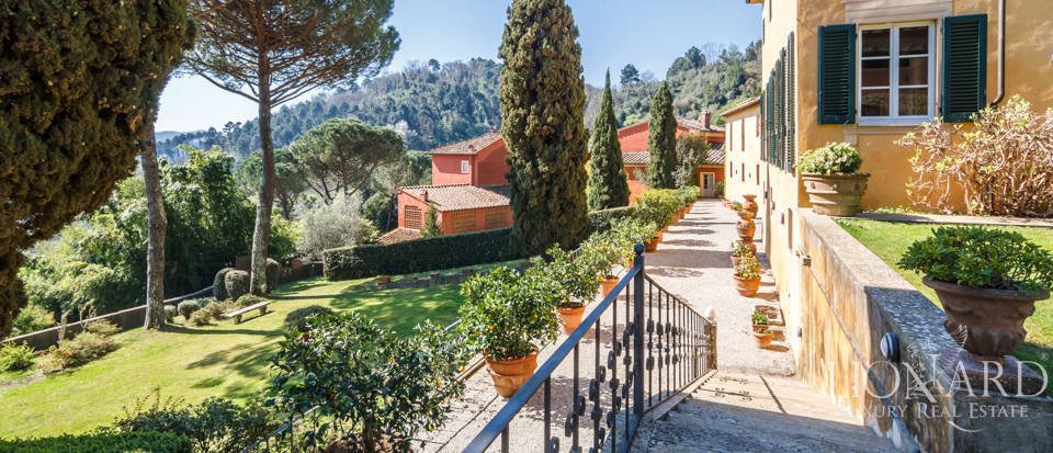 Stunning dream villa for sale in Camaiore Image 5
