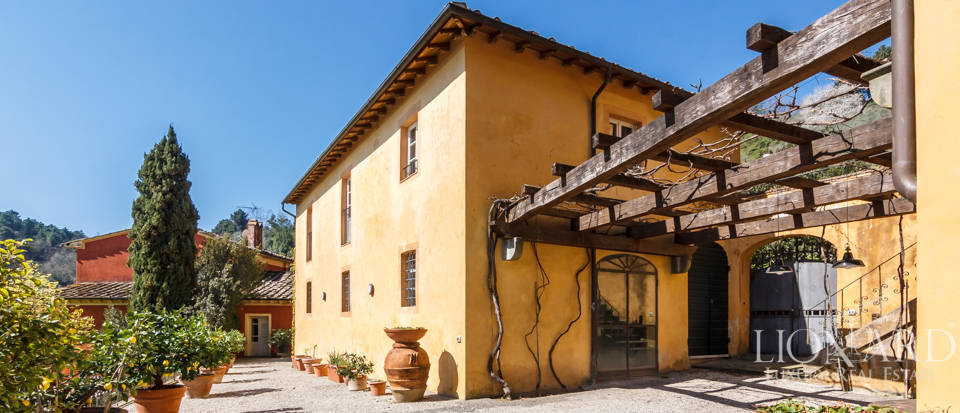 Stunning dream villa for sale in Camaiore Image 10