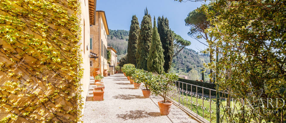 Stunning dream villa for sale in Camaiore Image 11