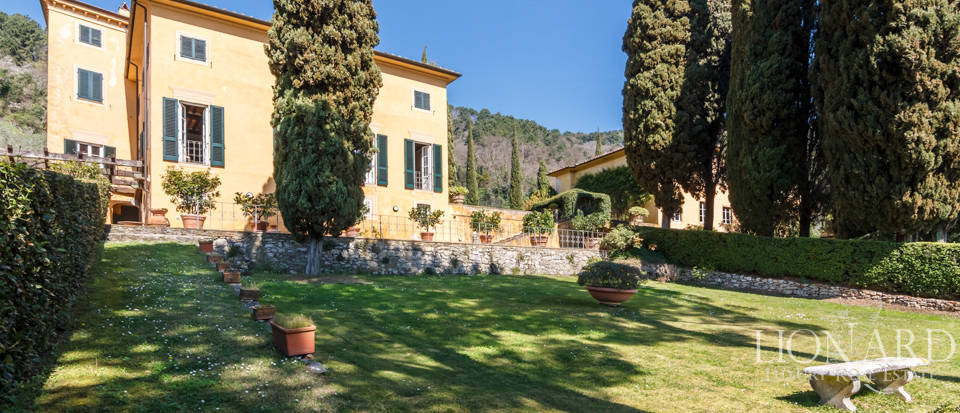 Stunning dream villa for sale in Camaiore Image 12