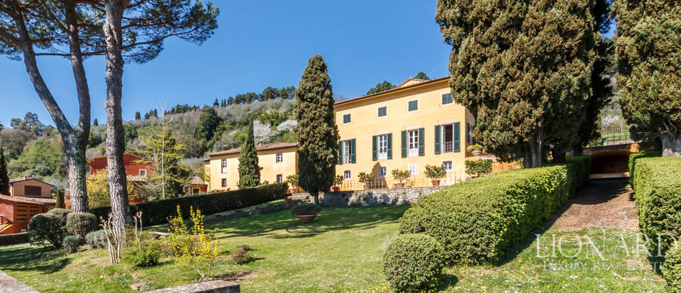 Stunning dream villa for sale in Camaiore Image 15