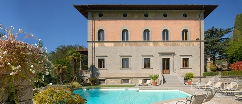luxury estate in tuscany selling villas