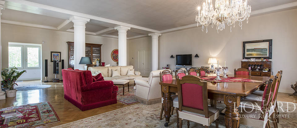 luxurious apartment for sale in the heart of florence