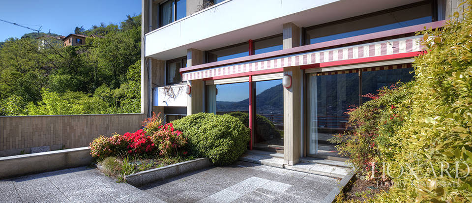 Apartment for sale in front of Lake Como Image 2