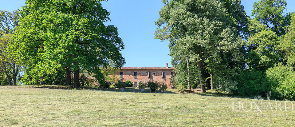 Luxury castle for sale in Piacenza Image 20