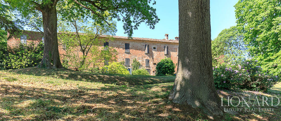 Luxury castle for sale in Piacenza Image 23