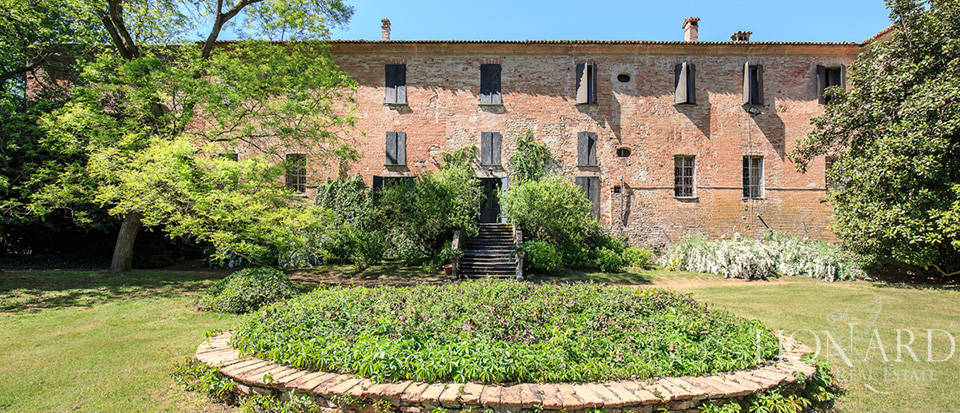 Luxury castle for sale in Piacenza Image 31