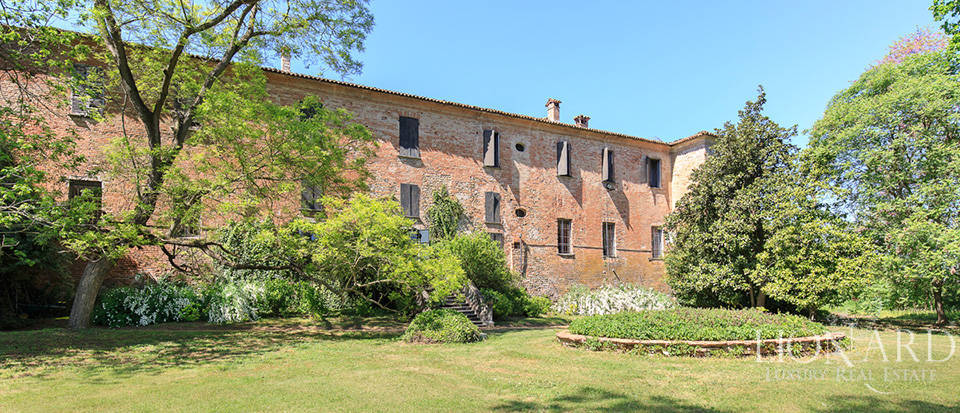 Luxury castle for sale in Piacenza Image 7