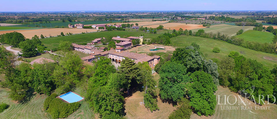 Luxury castle for sale in Piacenza Image 60