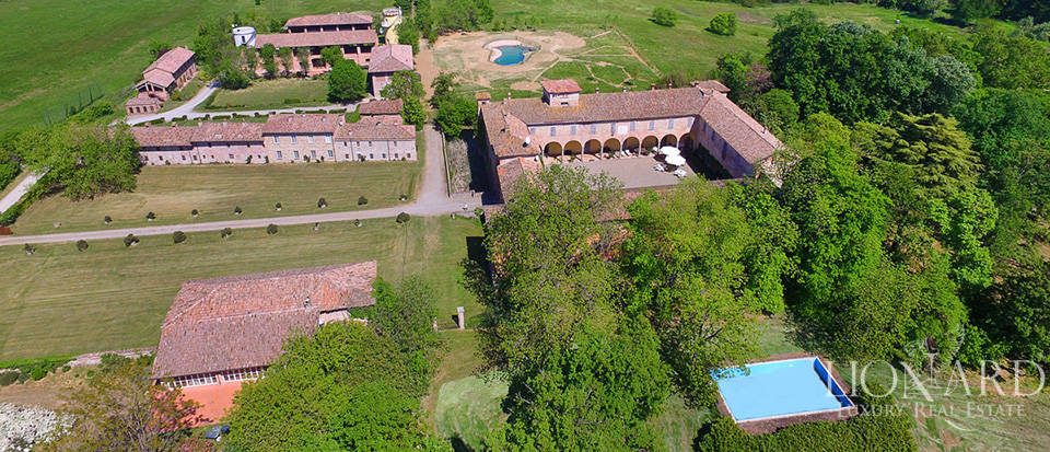 Luxury castle for sale in Piacenza Image 59