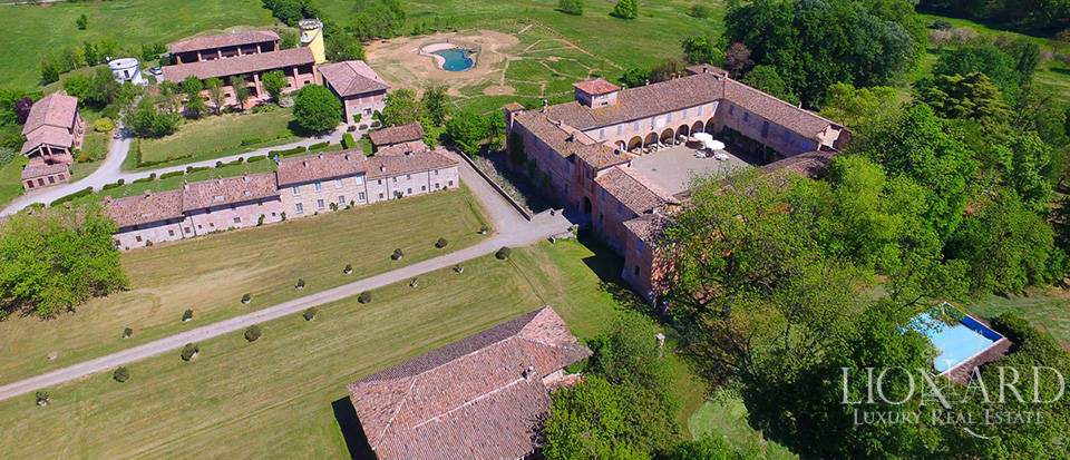 Luxury castle for sale in Piacenza Image 1