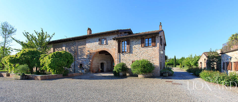 Luxury complex for sale in Piacenza Image 35