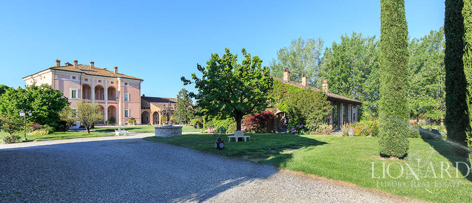 Luxury complex for sale in Piacenza Image 15