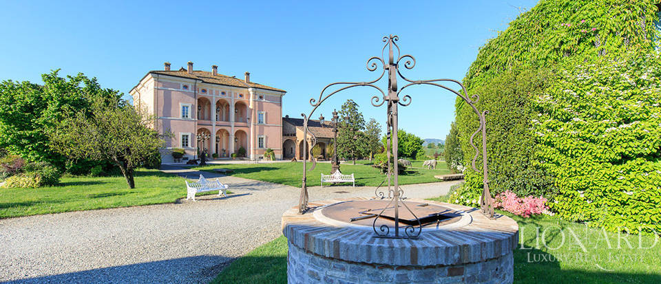Luxury complex for sale in Piacenza Image 9