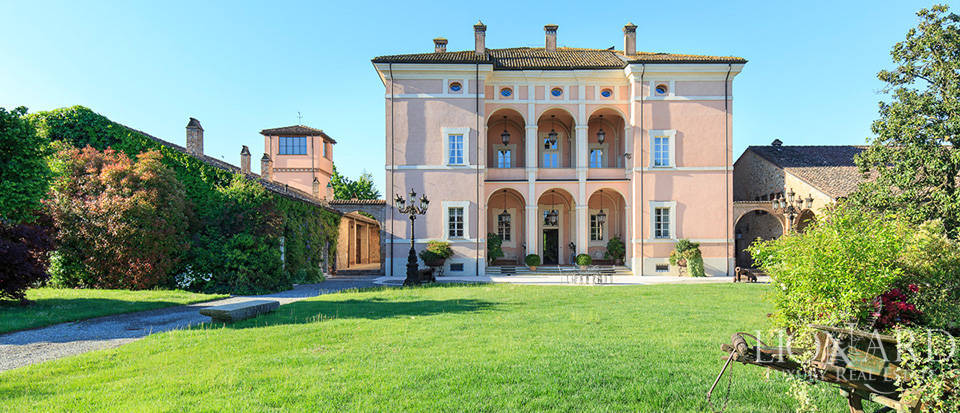 Luxury complex for sale in Piacenza Image 8