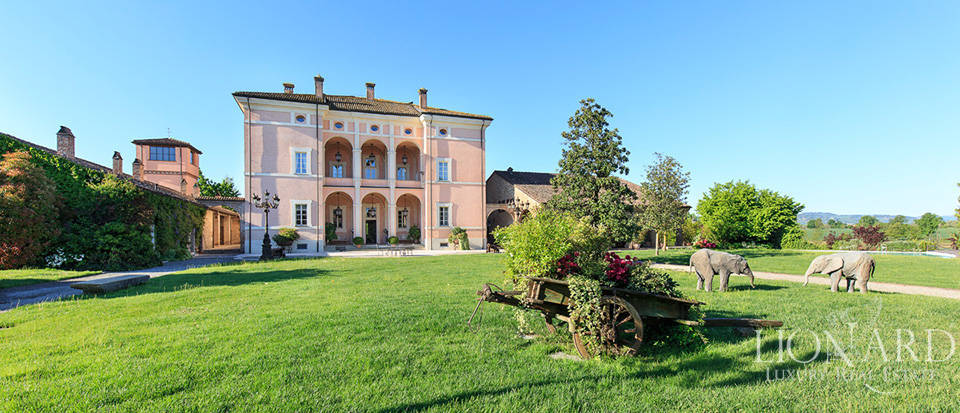 Luxury complex for sale in Piacenza Image 7