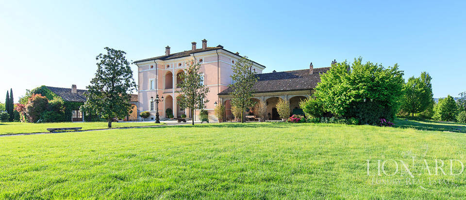 Luxury complex for sale in Piacenza Image 25