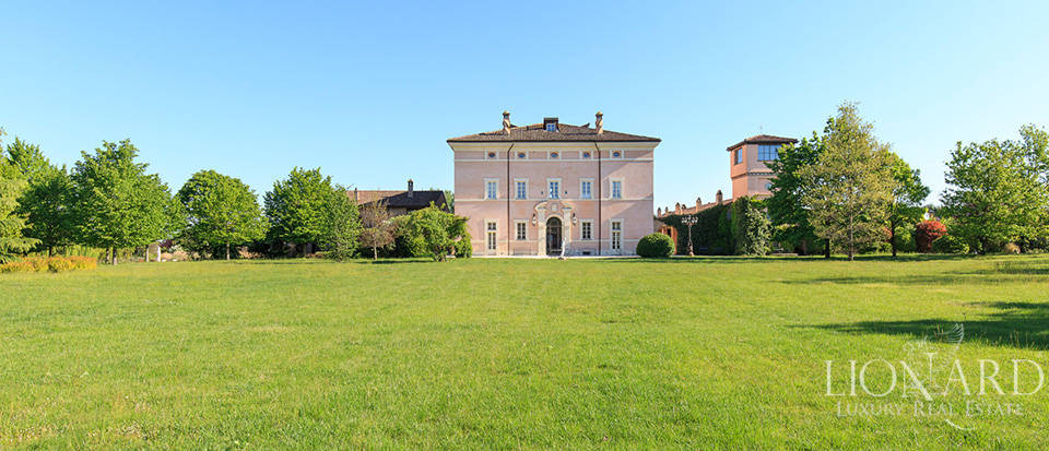 Luxury complex for sale in Piacenza Image 17