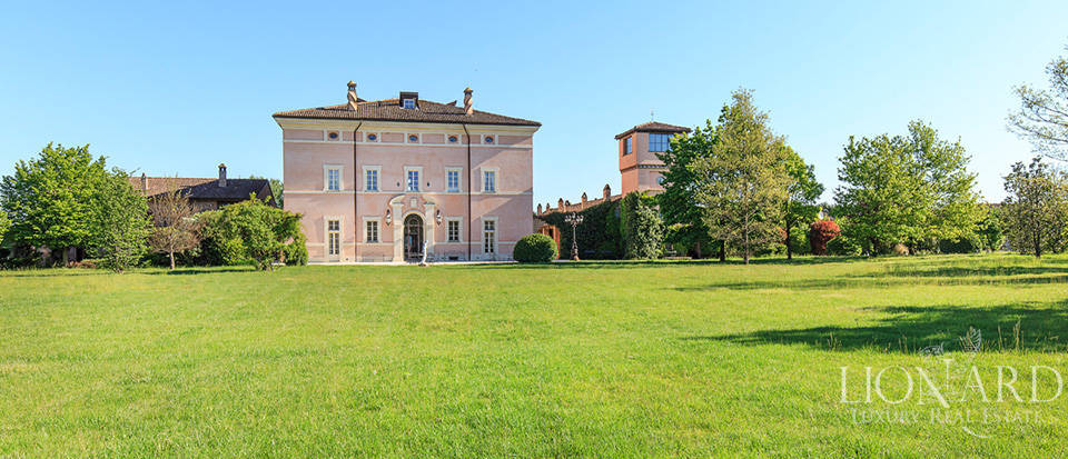 Luxury complex for sale in Piacenza Image 23
