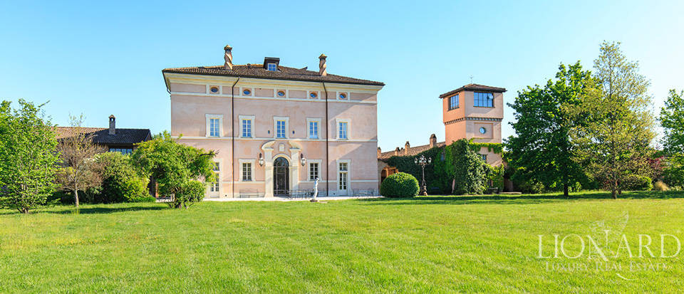 Luxury complex for sale in Piacenza Image 16