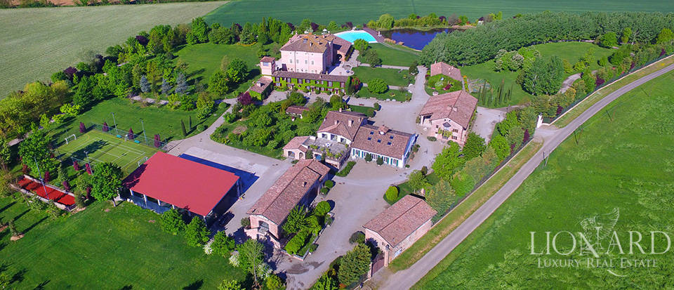 Luxury complex for sale in Piacenza Image 3