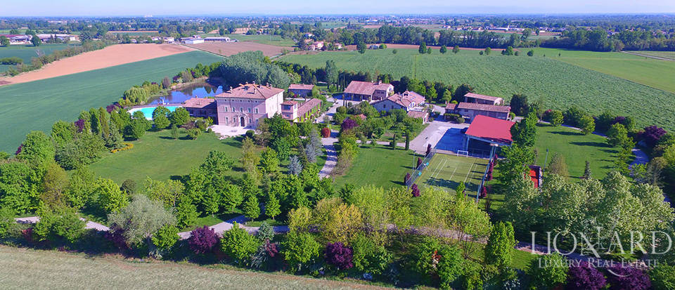 Luxury complex for sale in Piacenza Image 2