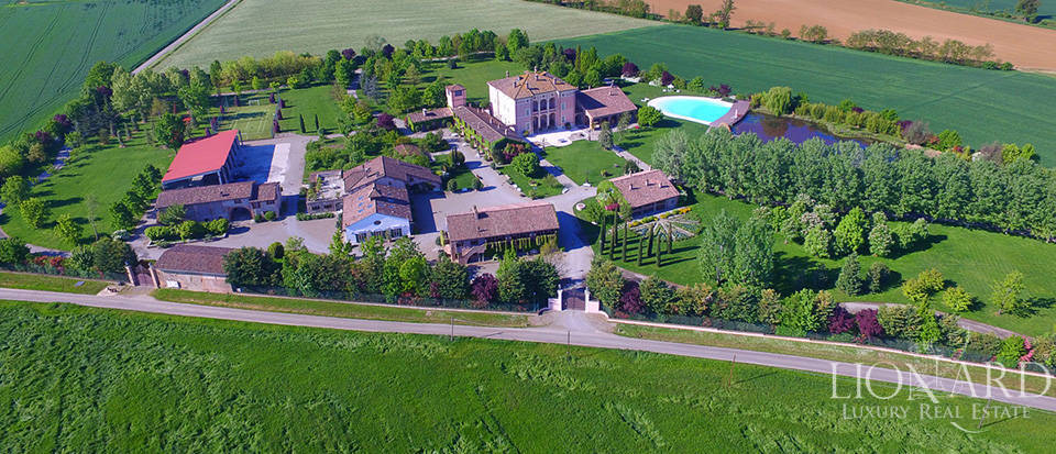 Luxury complex for sale in Piacenza Image 6