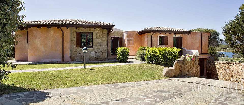 Villa for sale in Sardinia Image 27