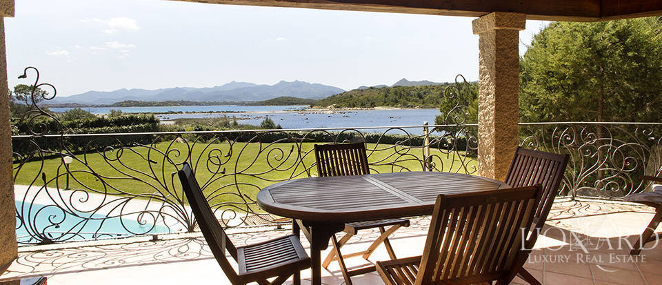 Villa for sale in Sardinia Image 12