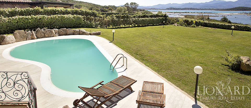 Villa for sale in Sardinia Image 10