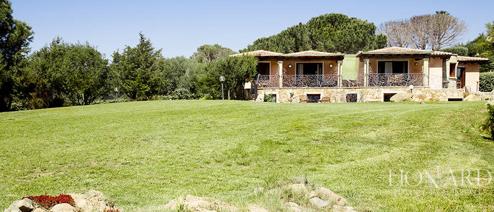 Villa for sale in Sardinia Image 8