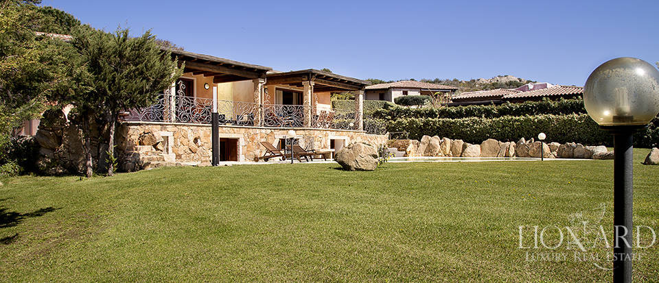 Villa for sale in Sardinia Image 5