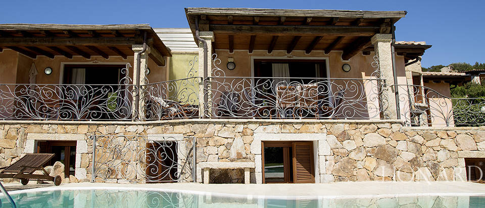 Villa for sale in Sardinia Image 4