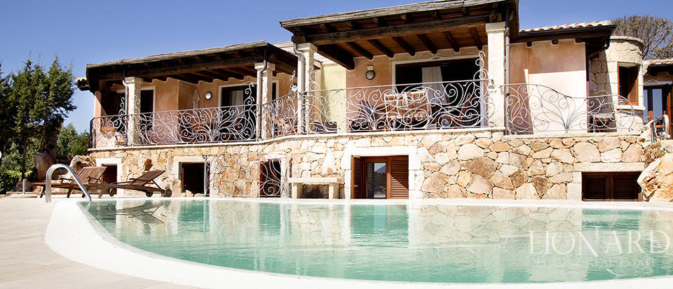 Villa for sale in Sardinia Image 2