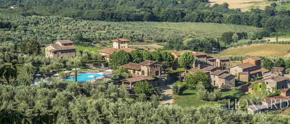 Luxury complex for sale near Arezzo Image 1